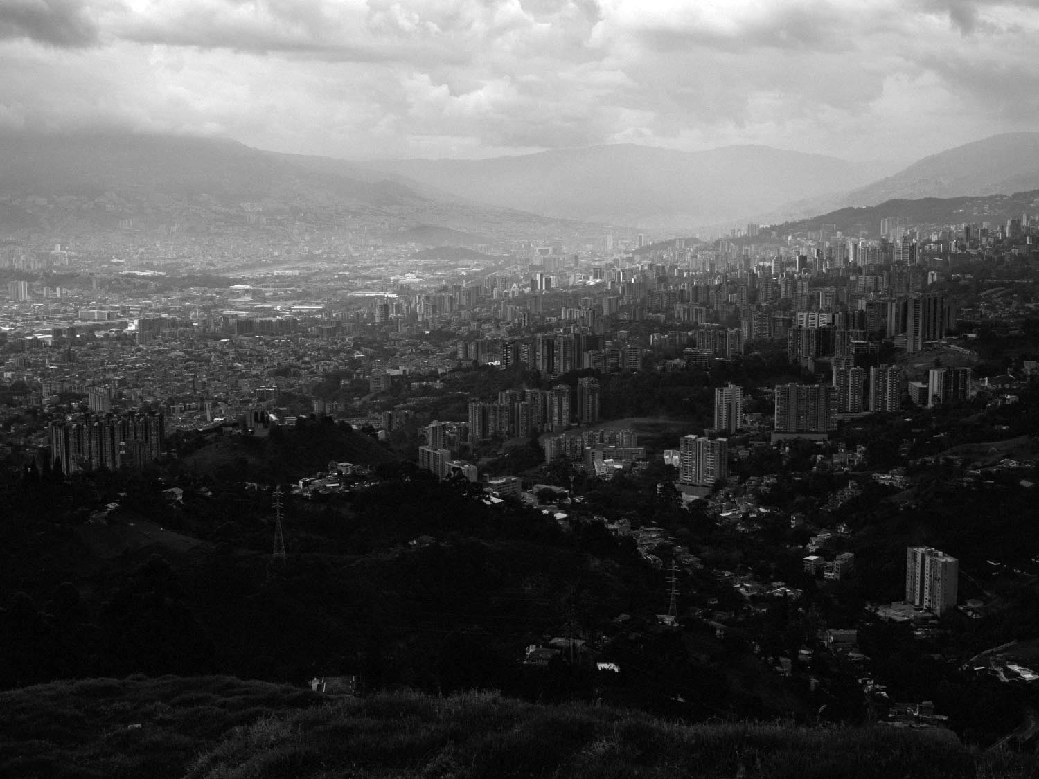 Medellín from the Arenales viewpoint.