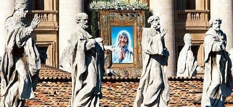 Arch-Pilgrimage-Mother-Teresa-3-1300x600.jpg