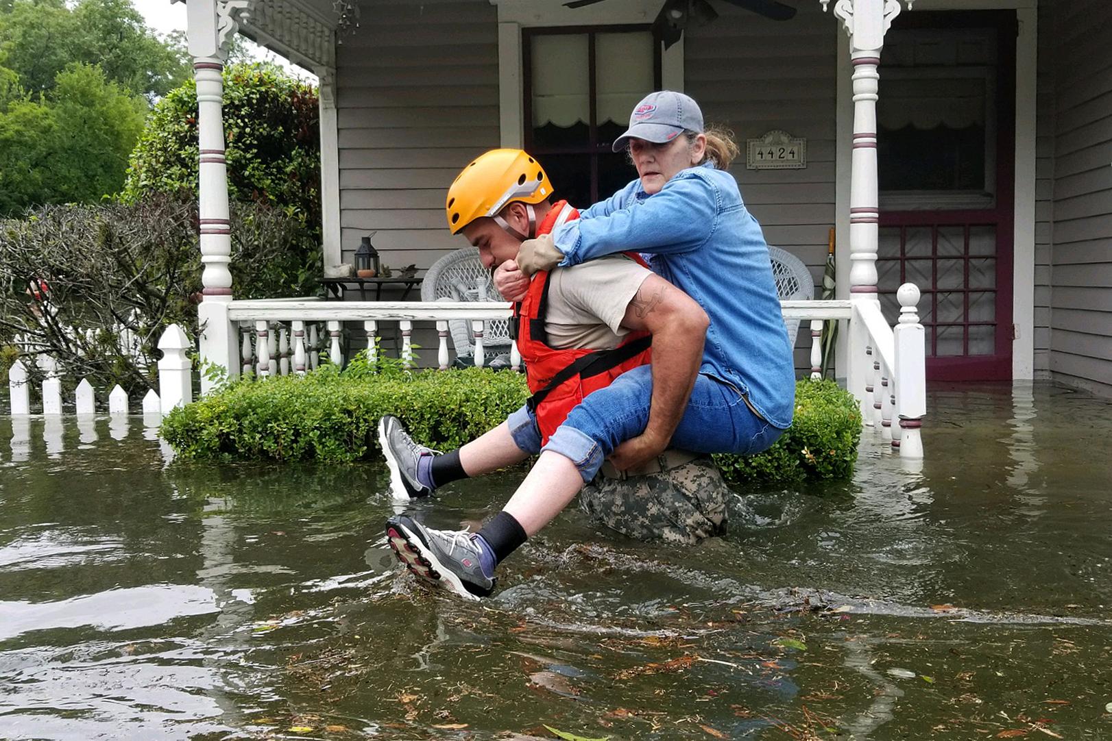 harvey_rescue_by_army_national_guard_photo_by_lt._zachary_west.jpg