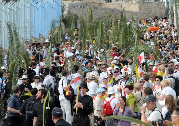 Palm-Sunday-in-Jerusalem_1_1.jpg