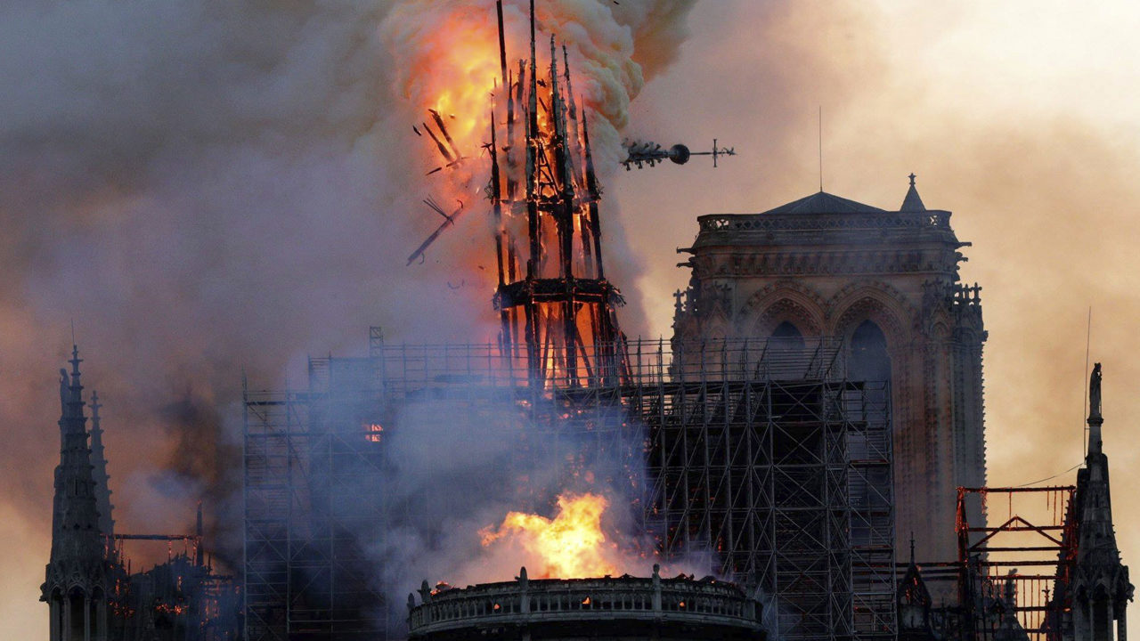 Burning Spire at Notre Dame Cathedral_1555362832133.jpg_21725547_ver1.0_1280_720.jpg