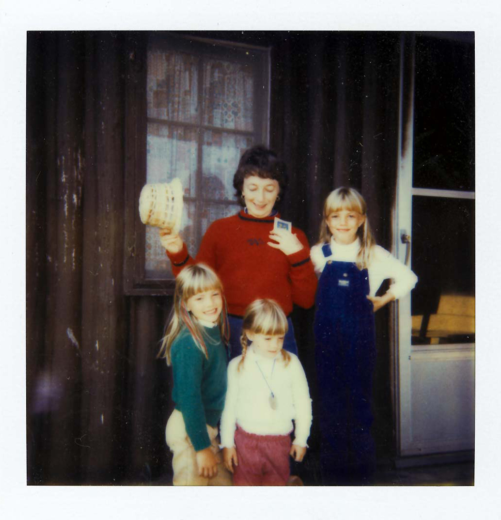 Grandma and 3 girls Mich 2.jpg