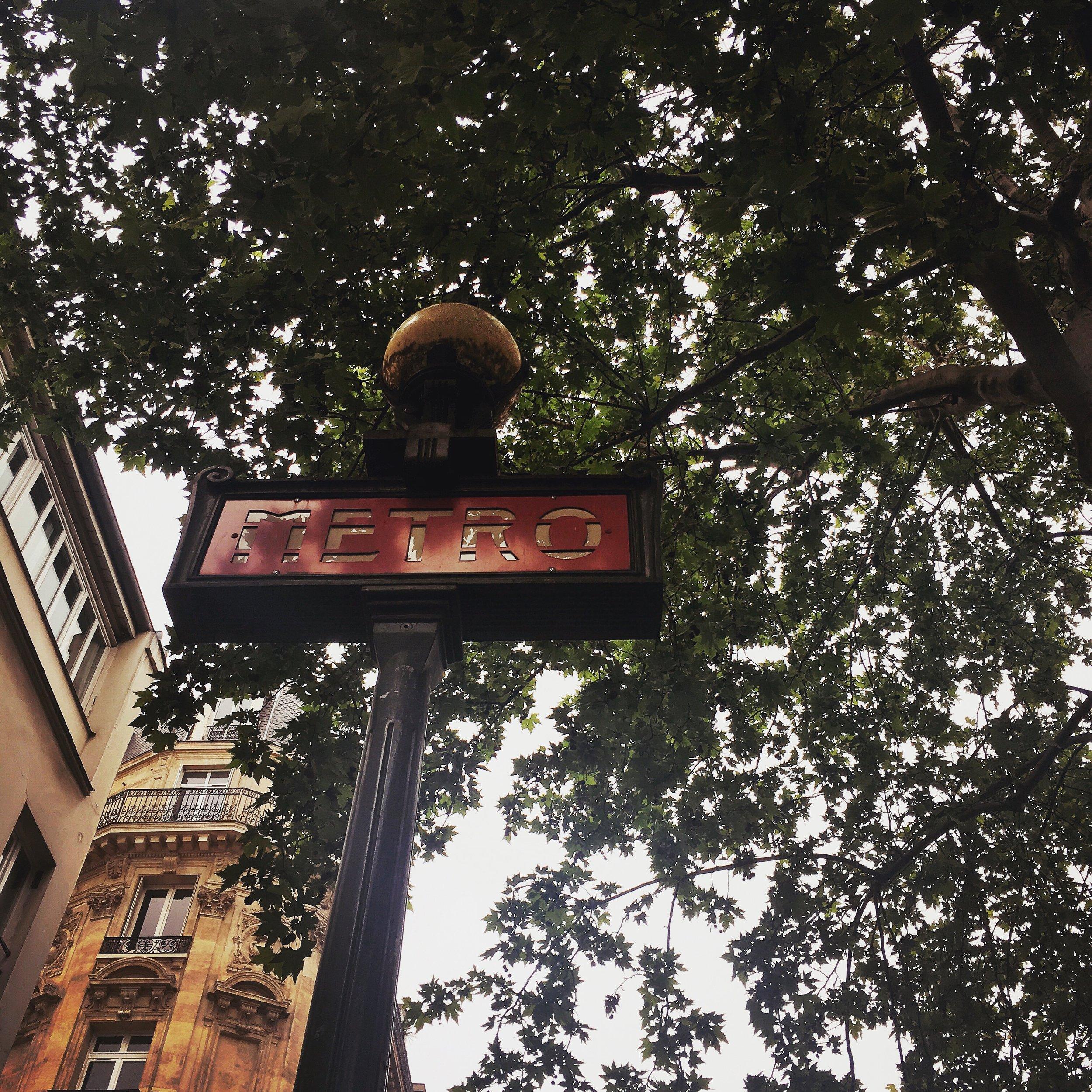 Lozidaze_Paris-Metro_01