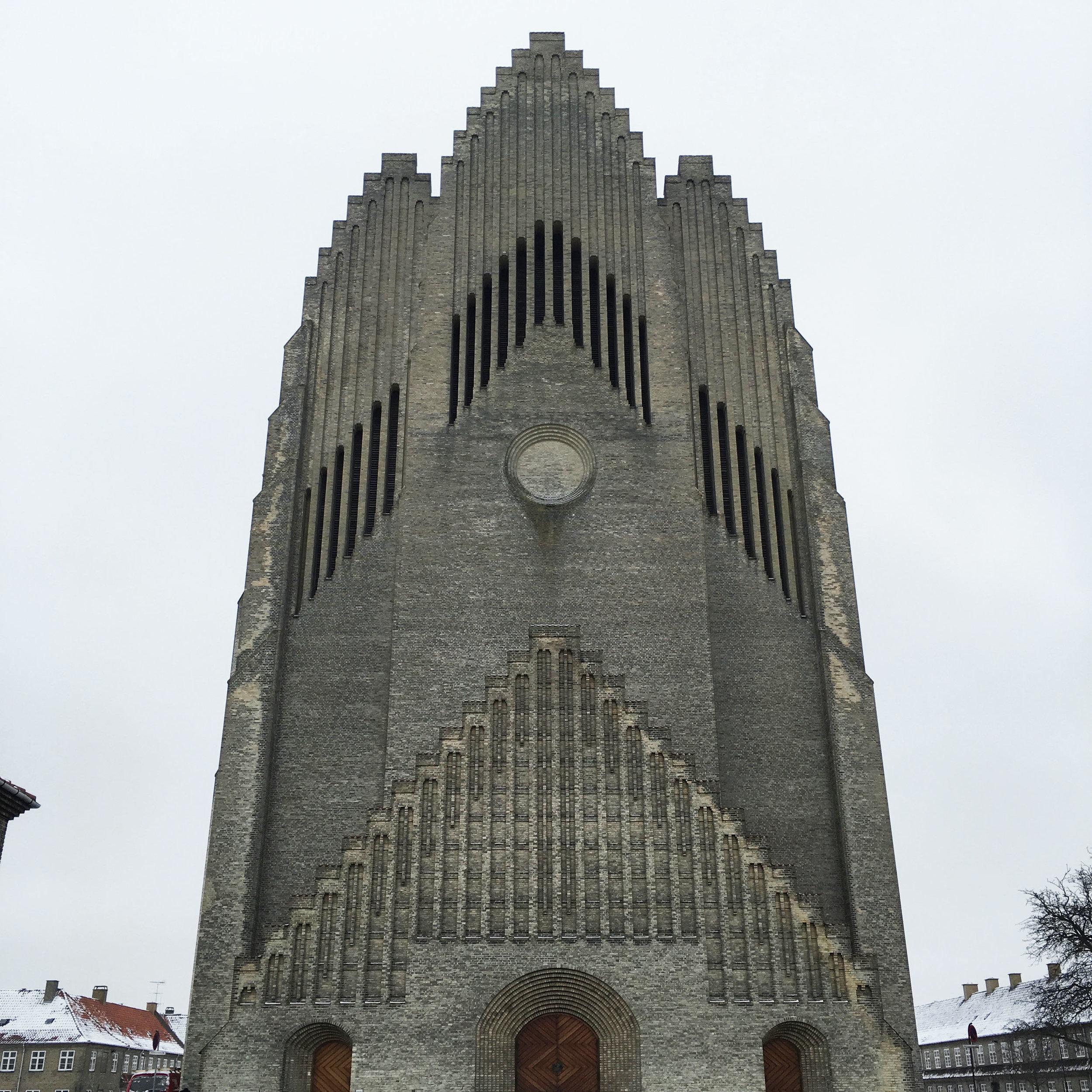 Lozidaze_Grundtvigs-Kirke_01