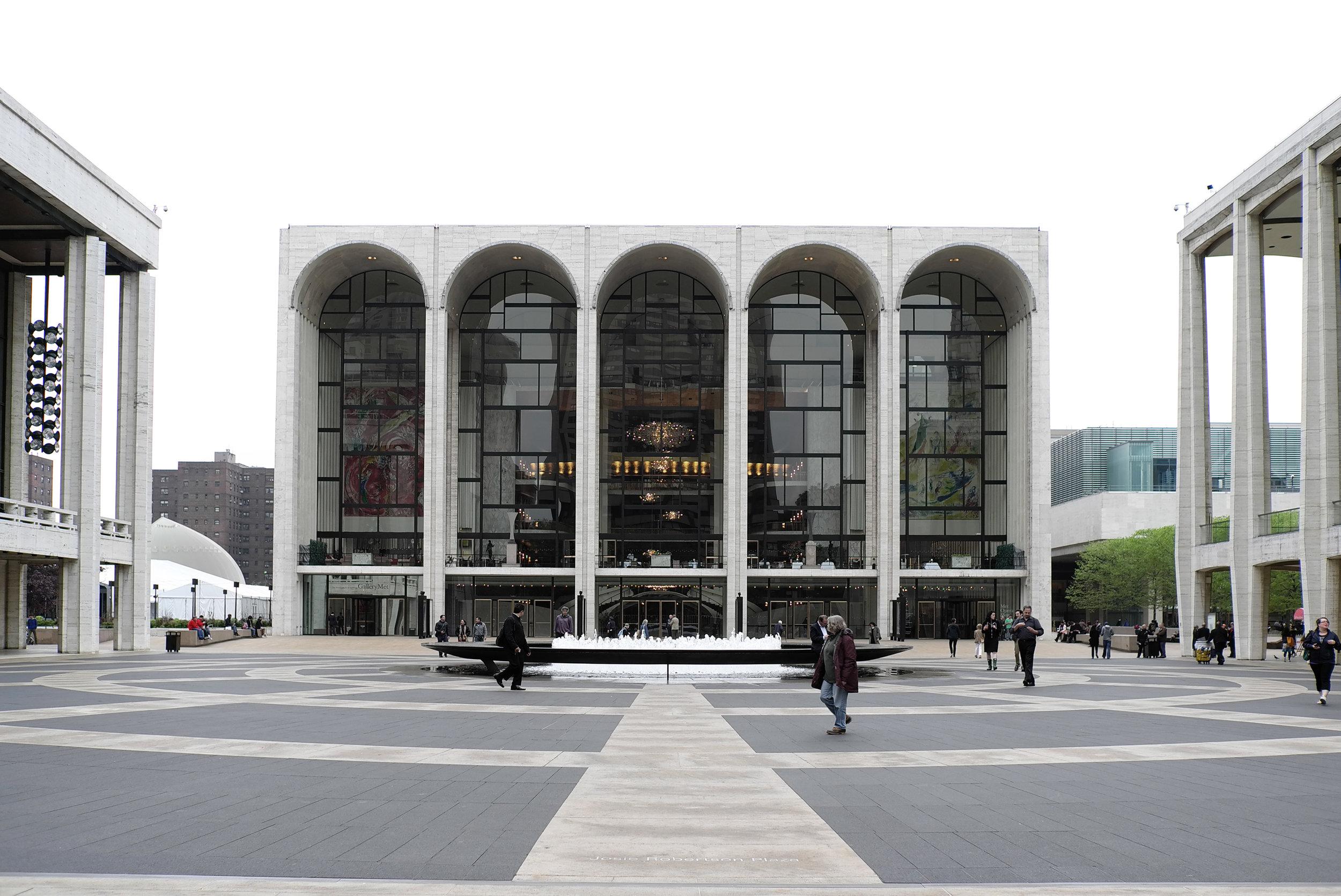 Lozidaze_NYC_Lincoln-Centre_01