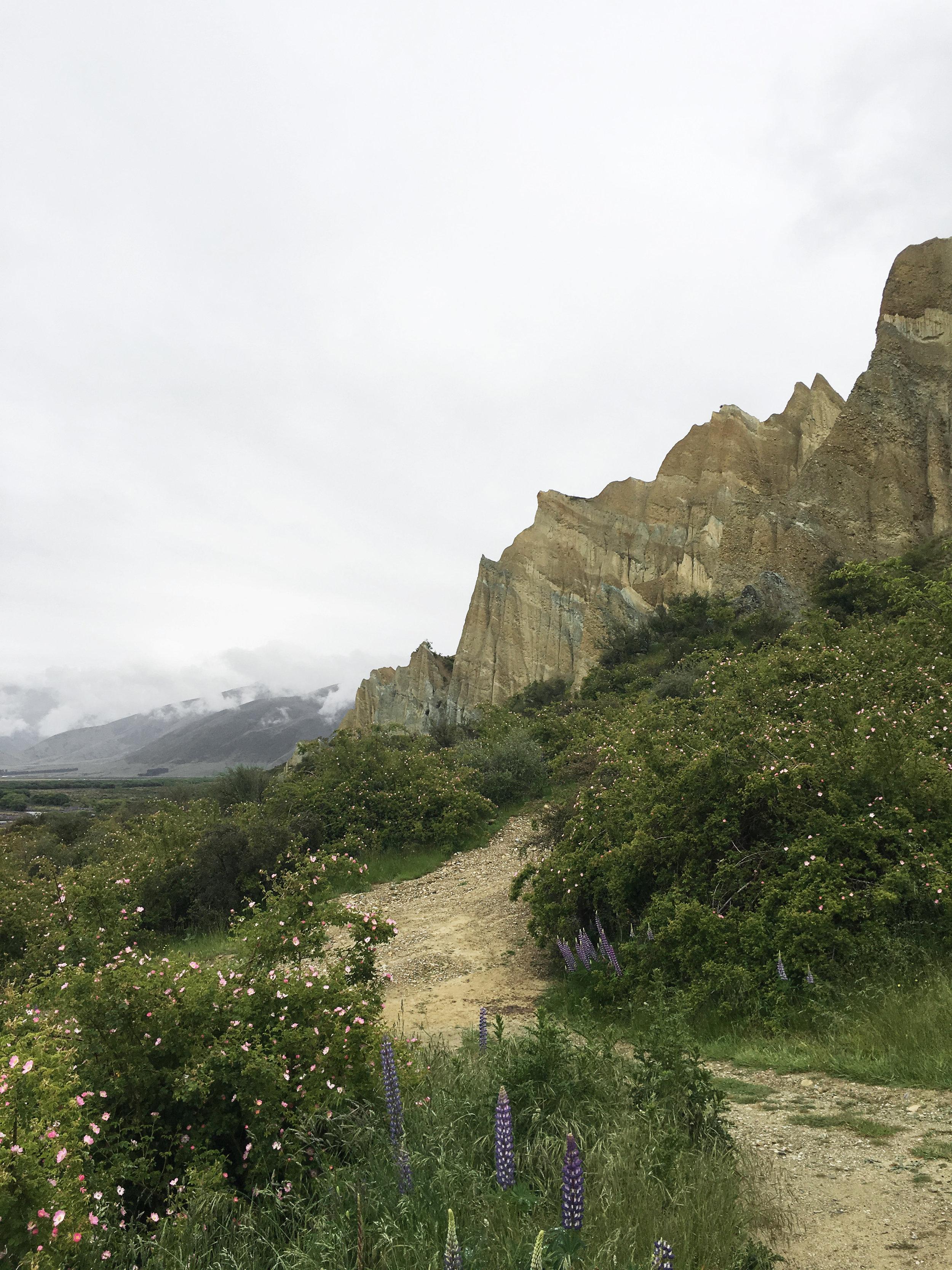 Lozidaze_NZ_Omarama-Clay-Cliffs_01