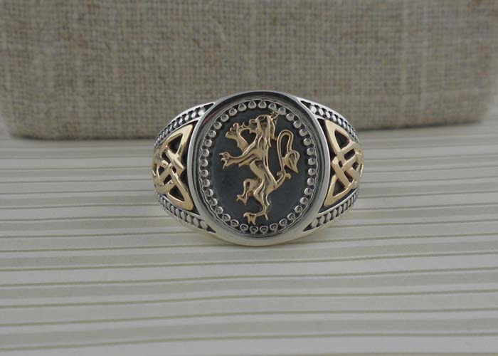 Scottish Rampant Signet Ring with Celtic Knots