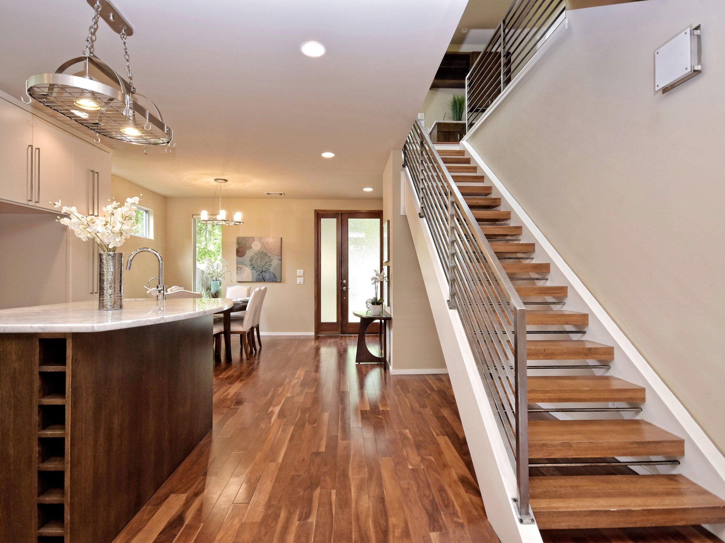 004_Foyer-Stairs.jpg