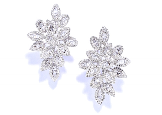 MargotRobbieEarring Diamond Stud Leaves_LR.jpg