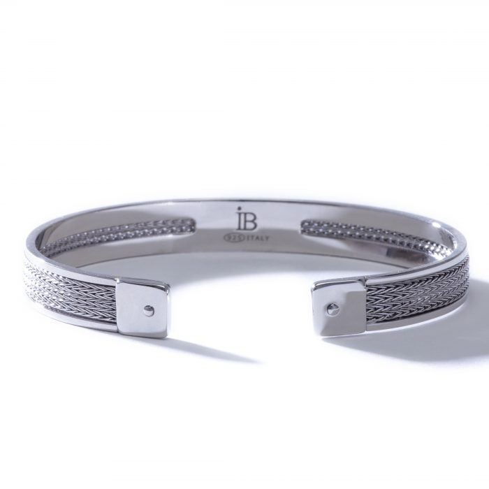 Idalia-Baudo-Jewelry-Muse-Silver-Cuff-02-700x700.jpg