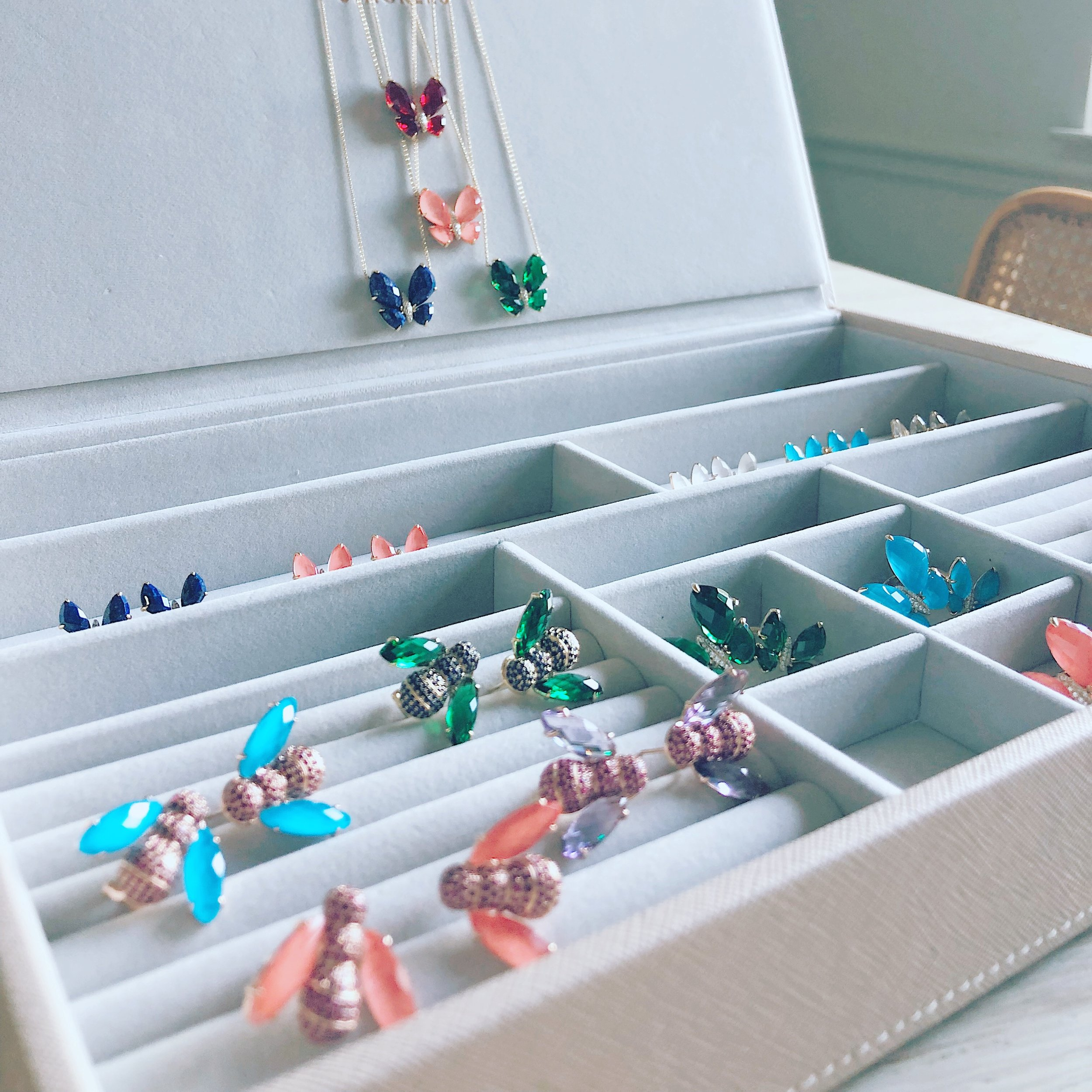 Wishing this was my real jewelry box, not just a jewelry preview