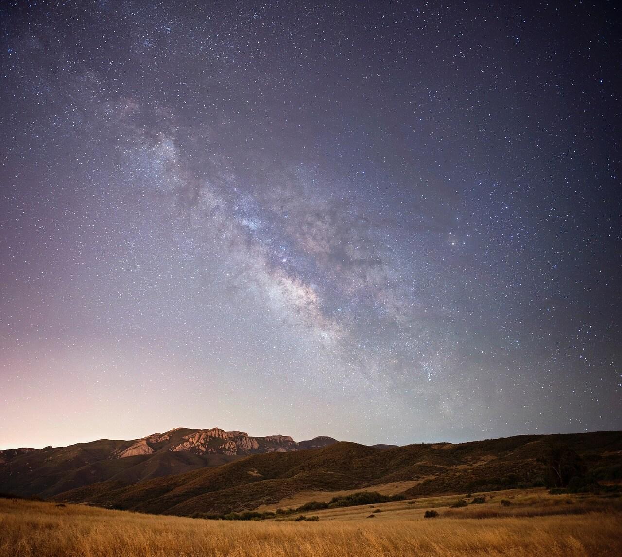 night-sky-2069427_1280.jpg