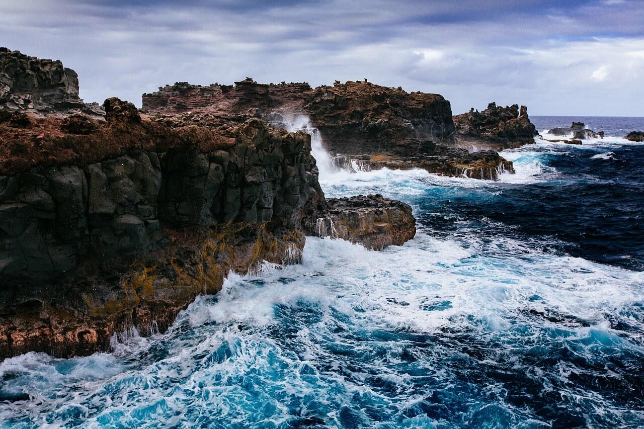 cliff-1835418_1280.jpg