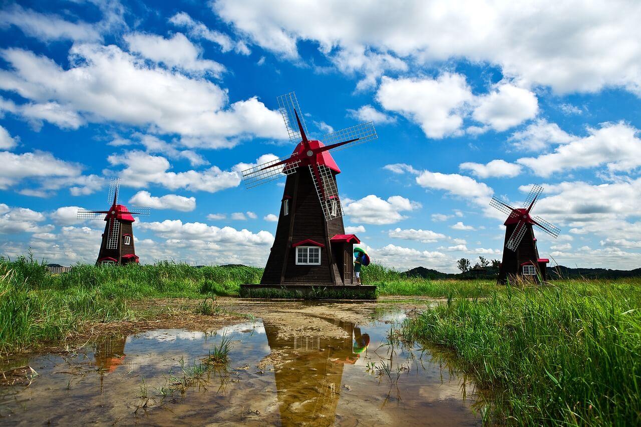 windmill-1309192_1280.jpg