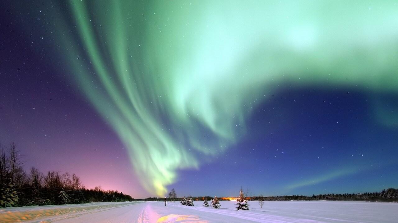 aurora-borealis-1181004_1280.jpg