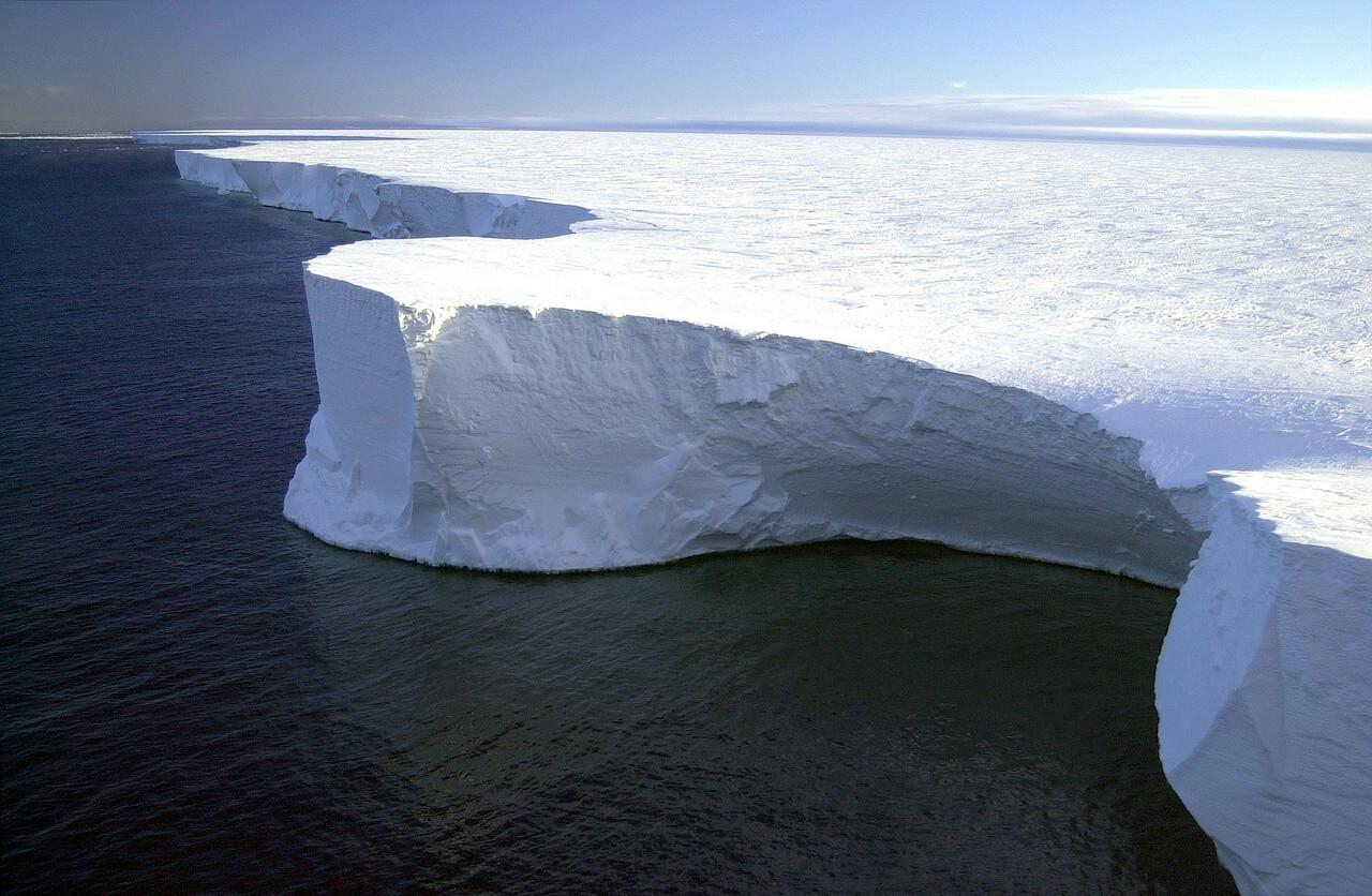 iceberg-79389_1280.jpg