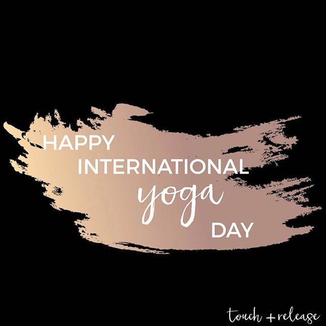 Happy #InternationalYogaDay 🧘‍♀️ Today also marks when the sun reaches it's peak for the summer solstice. Lets align our bodies with our minds, and let go of the things that no longer serve us. Breathe in and let go out all the things that no longer contribute to our personal, and spiritual growth. Lets learn to be at peace with ourselves today and celebrate all of the blessings in your life ❤️