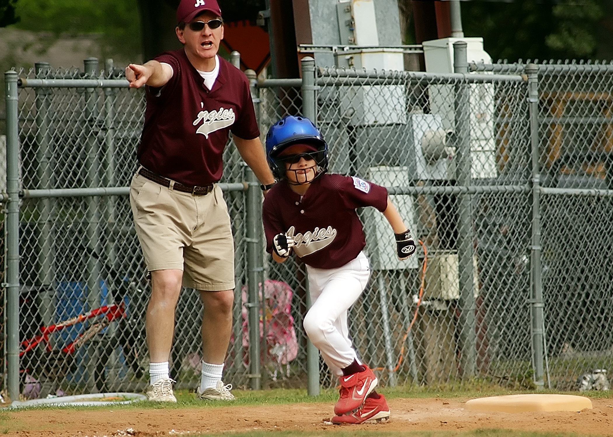 baseball-runner-coach-little-league-163308.jpeg