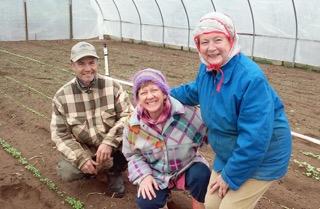 Ralph, Becky, and Mary Swenson, photo: Ilona Ross