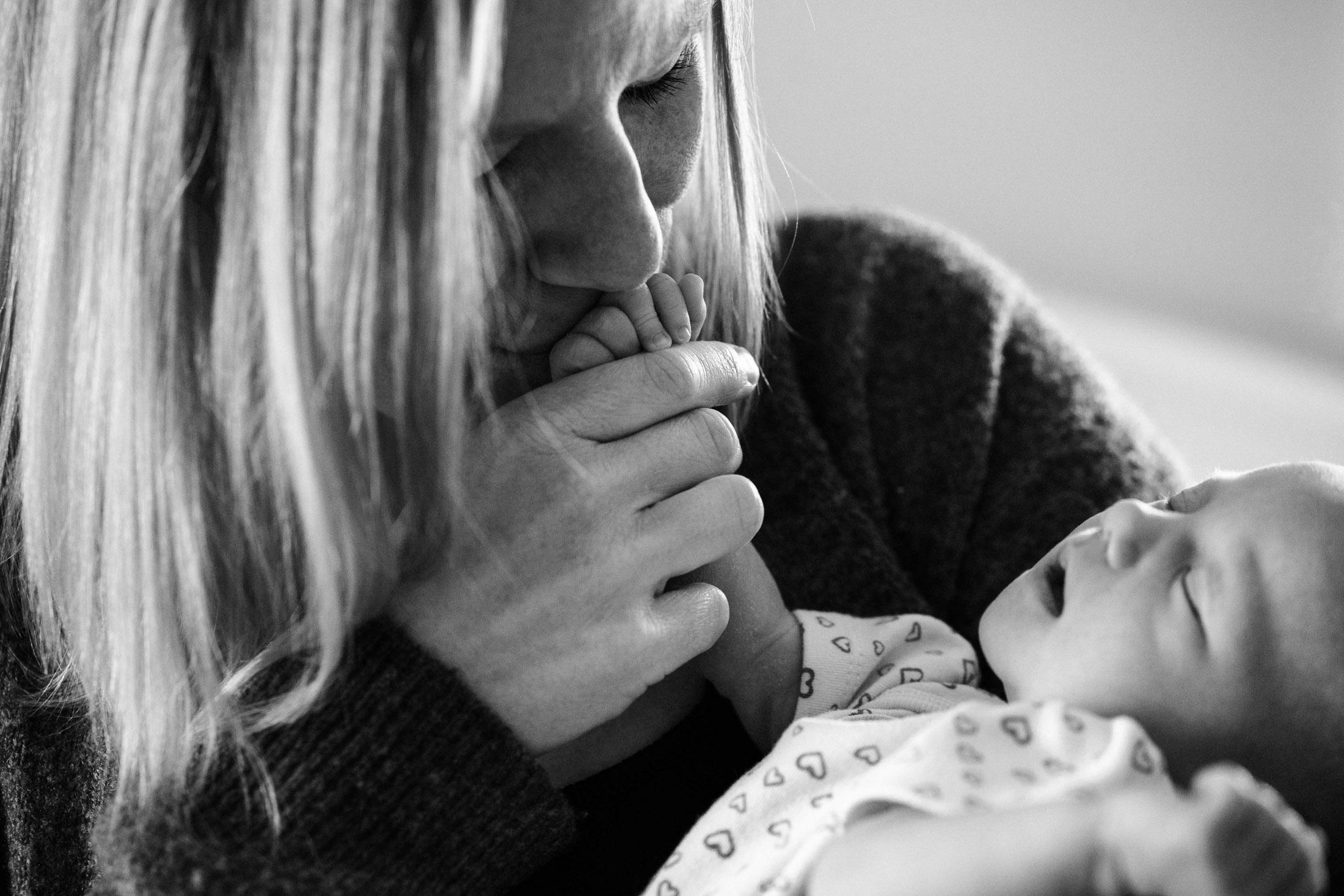Zoey In-Home Newborn Lifestyle Photo-42.jpg