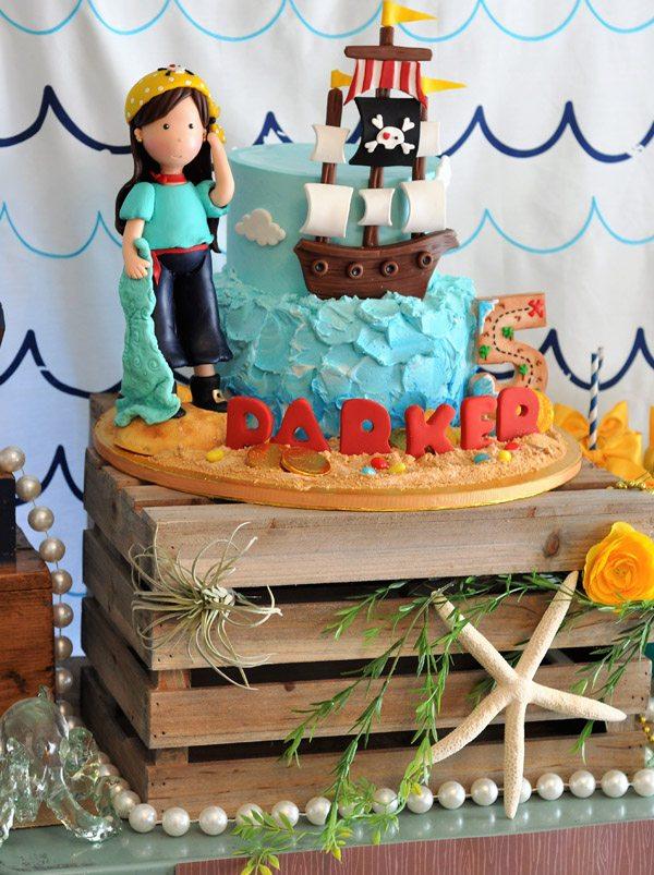 pirate cake..jpg