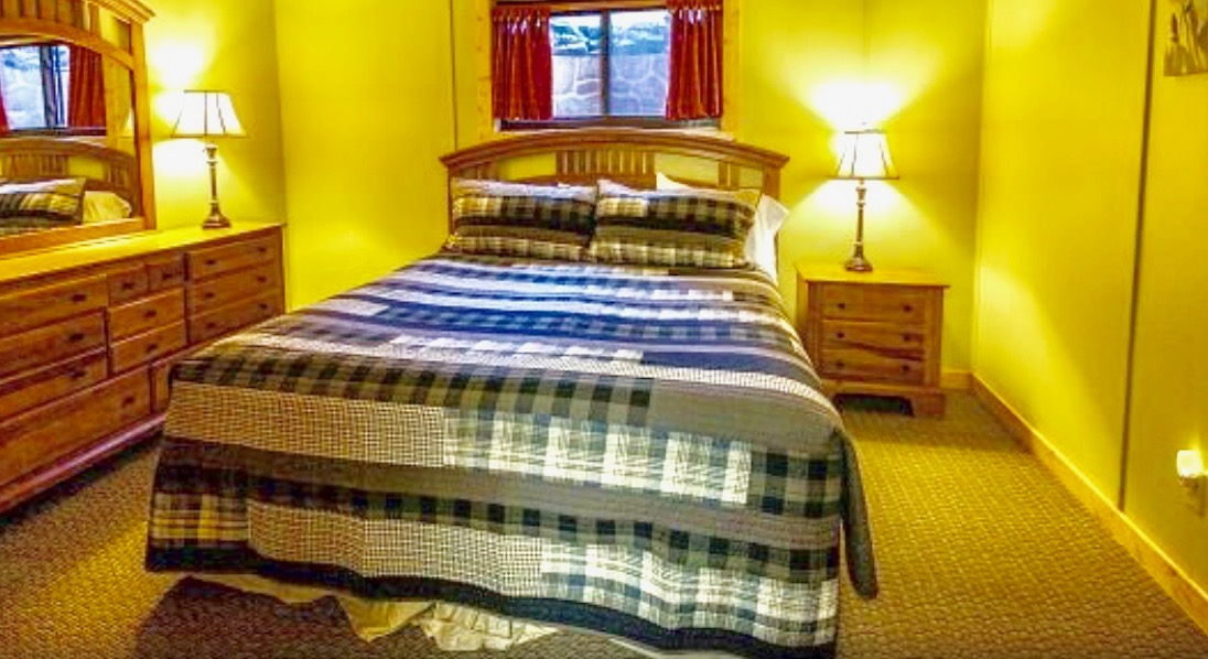 - 499.00 per person. (double occupancy)Sleeps two (2) 1 shared Queen bed, shared bathroom. Perfect for a couple or good friends. Please let us know the name of the person you will be rooming with when reserving your roomSOLD OUT