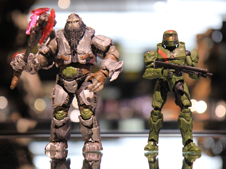 Atriox and Jerome-092, two of the Wave 2 Halo figures from Mattel. These releasing in 2018 pretty much banishes all hopes of a new Halo game in 2018.