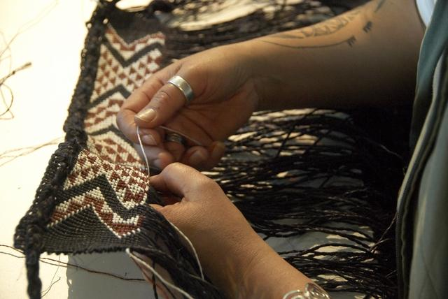 Weaver Veranoa Hetet of Hetet School of Maori Art, image via Te Papa Museum