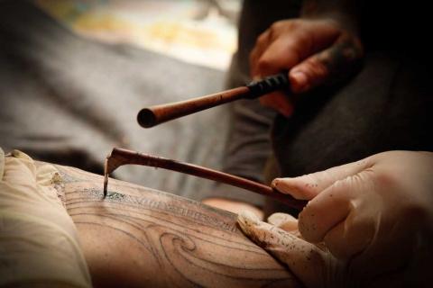 Ta Moko using an instrument known as uhi - Te Rangitu Netana  www.terangitu.com