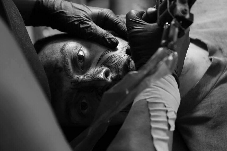 Ta Moko using modern tatoo gun - Paitangi Ostick  www.paitangiartandink.co.nz