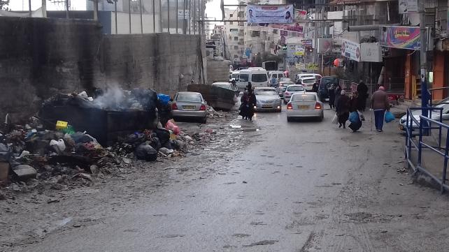 The main road into Shu'fat camp