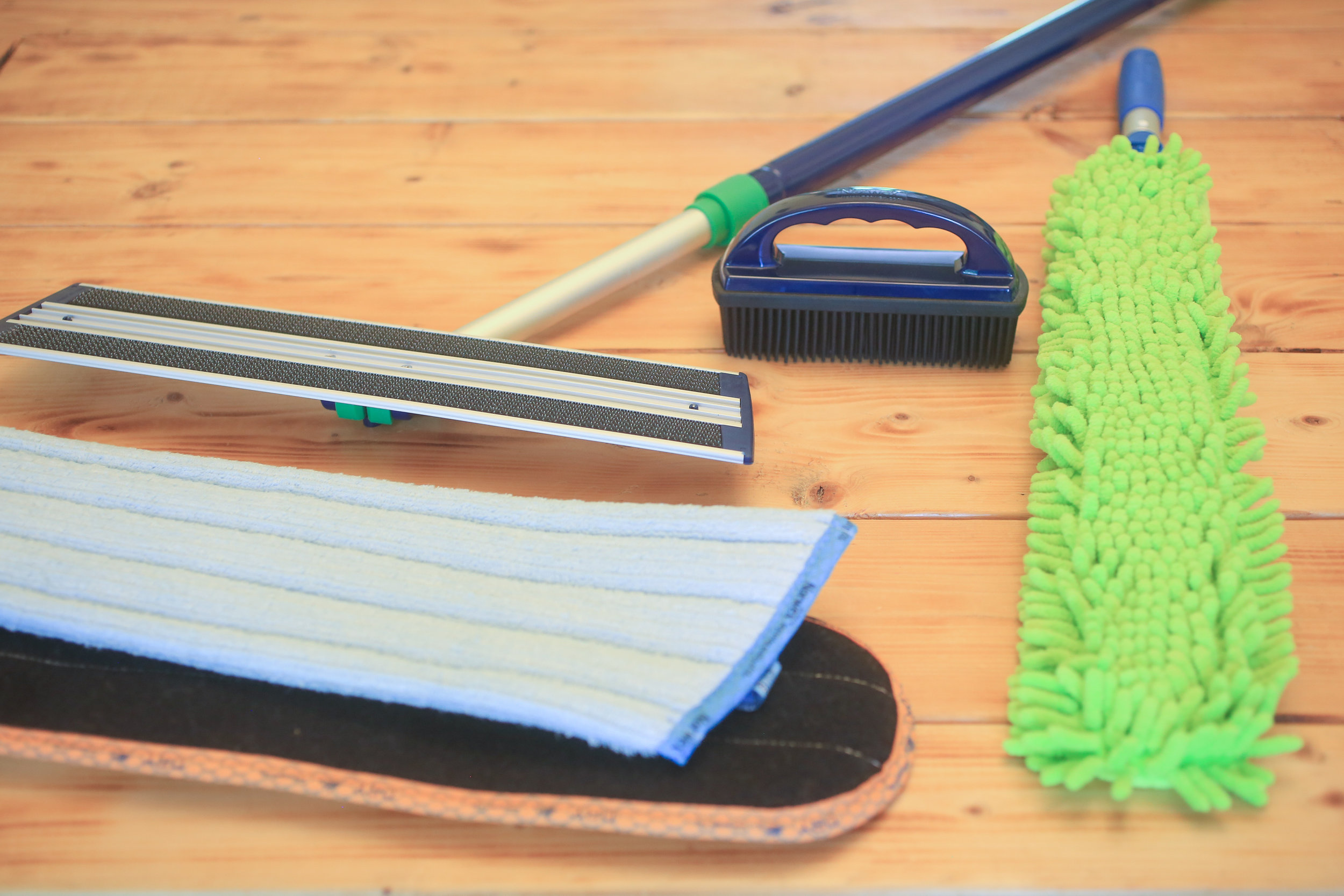 Norway mop and dust wand bundle donated by: Katie White