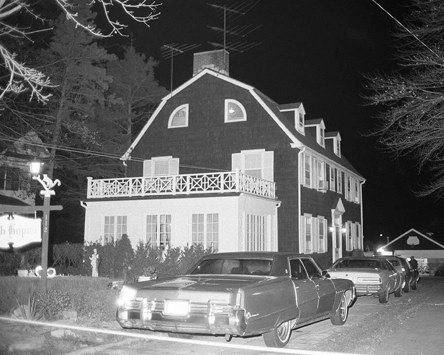 amityville-murder-house.jpg