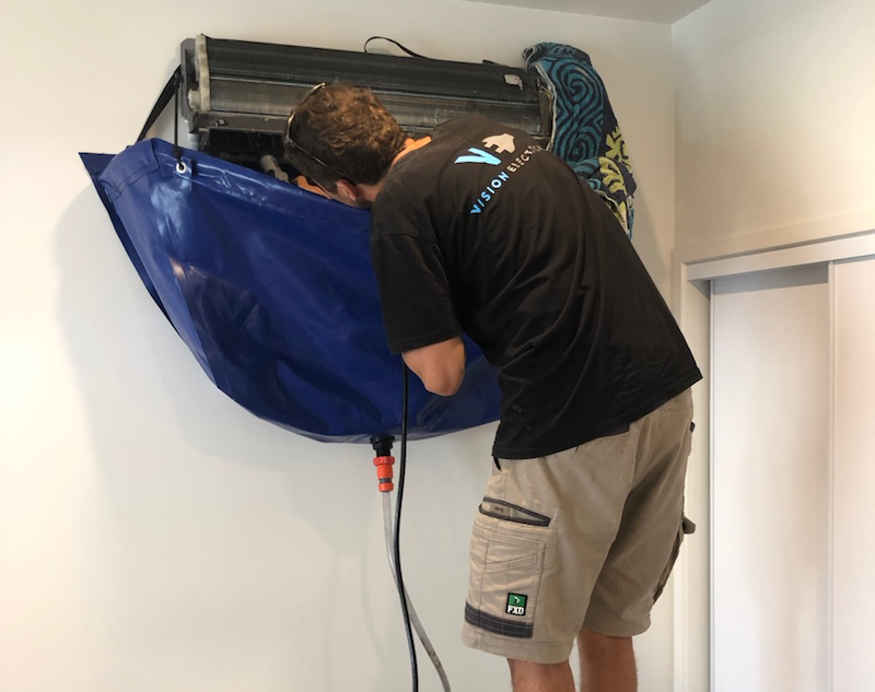Domesitc Work-Split system clean - Coombabah, Gold Coast, QLD