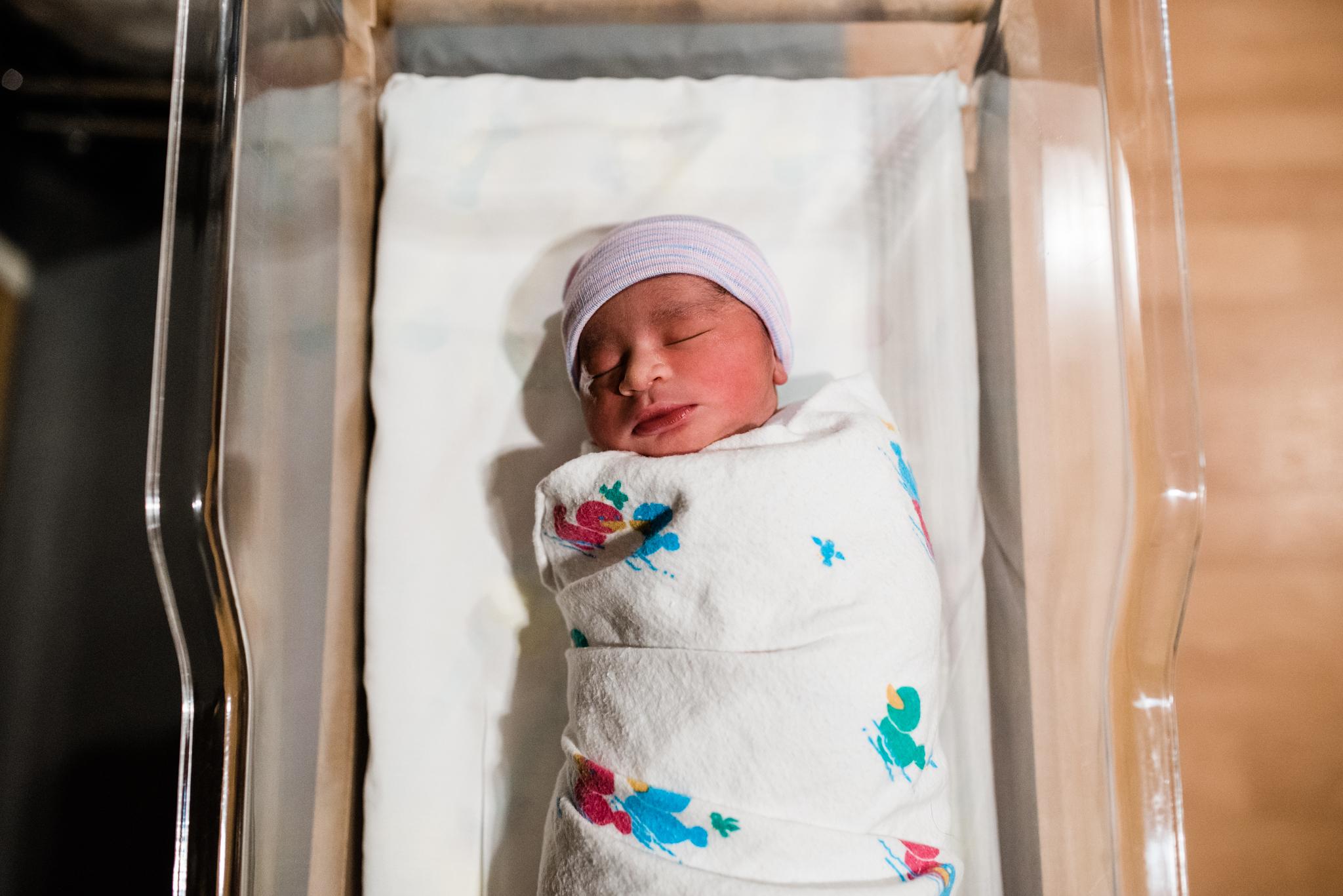 birth-photography-poplar-bluff-regional-medical-center-newborn-baby.jpeg