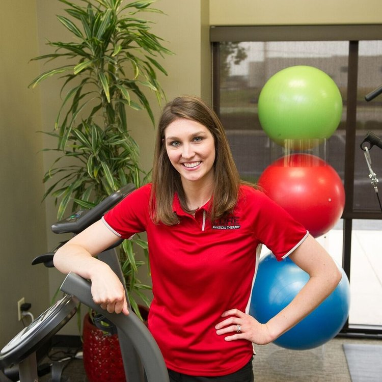 Becca Mumford, DPT - graduated from WSU in 2013 with a BS in Health Management and Community Development, and again in 2016 with a Doctor of Physical Therapy degree. Becca treats patients in all areas and has a special talent with therapeutic exercise and balance related issues.