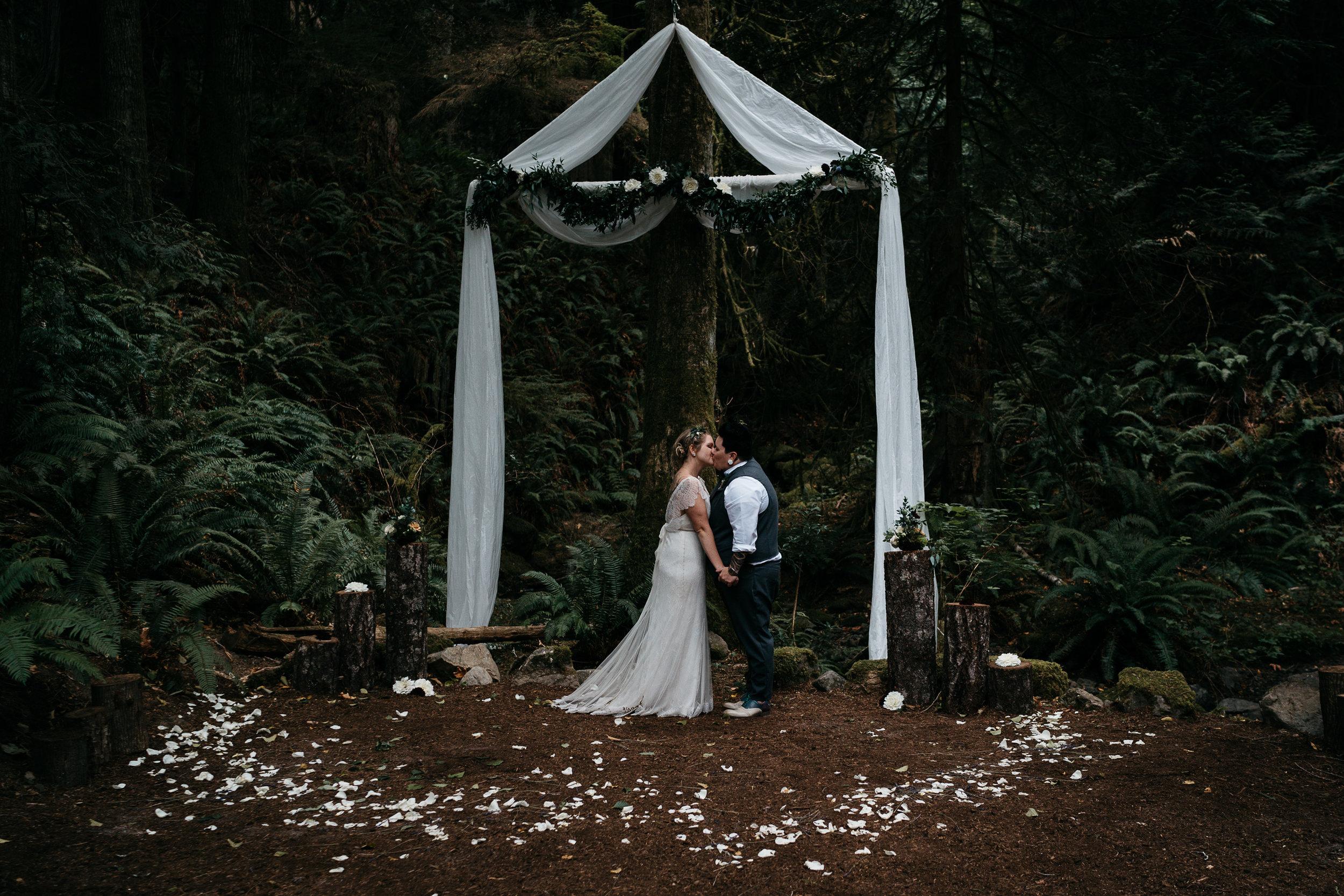 2018-08-25_Wedding_00_Couple-185.jpg