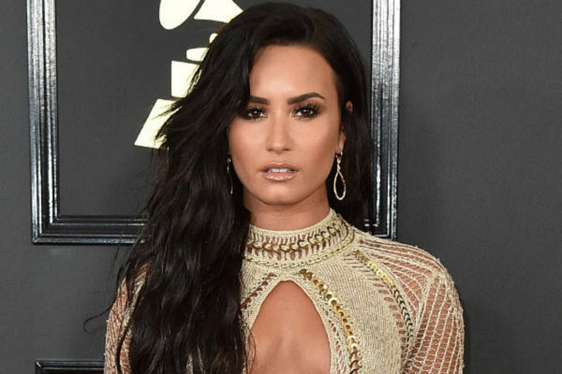 DEMI LOVATO: ON LIVING WITH BIPOLAR DISORDER -