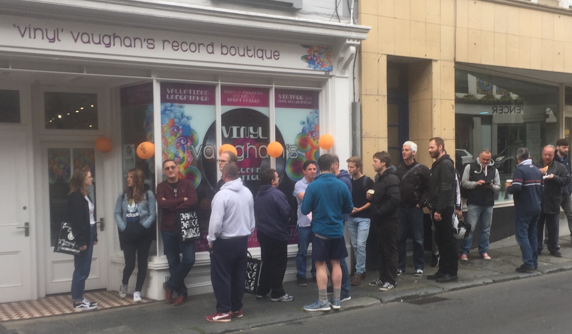 Queues outside. Into Vaughan on RSD