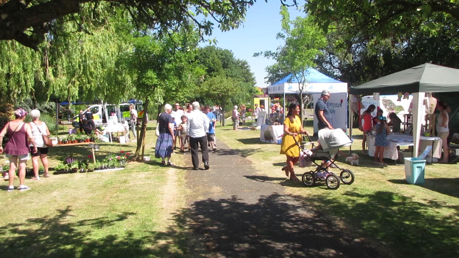 VP094E Rhyl Botanical Gardens Fun Day 2018 - 02.jpg
