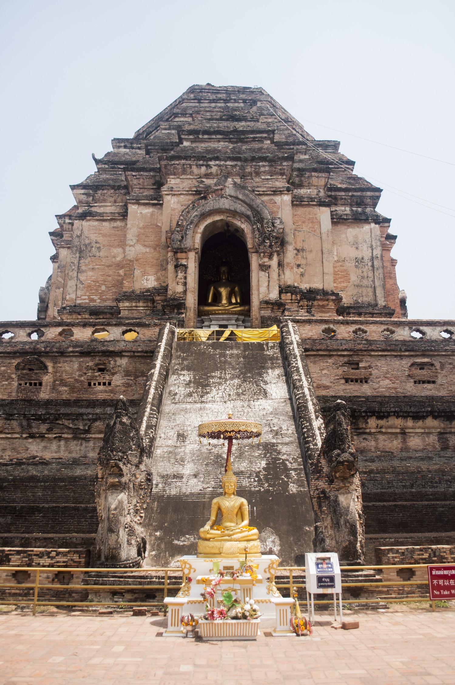 Wat Chedi Luang - 103 Road King Prajadhipok Phra Singh, Muang District, Chiang Mai, 50200, Thailand