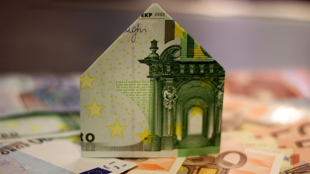Die große Gefahr bei Kreditkarten: Wer viel leiht, bekommt auch einen höheren Kreditrahmen (Foto: Pixabay.com)