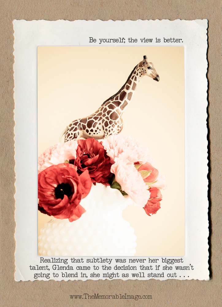 1000_Giraffe_Vase.jpg