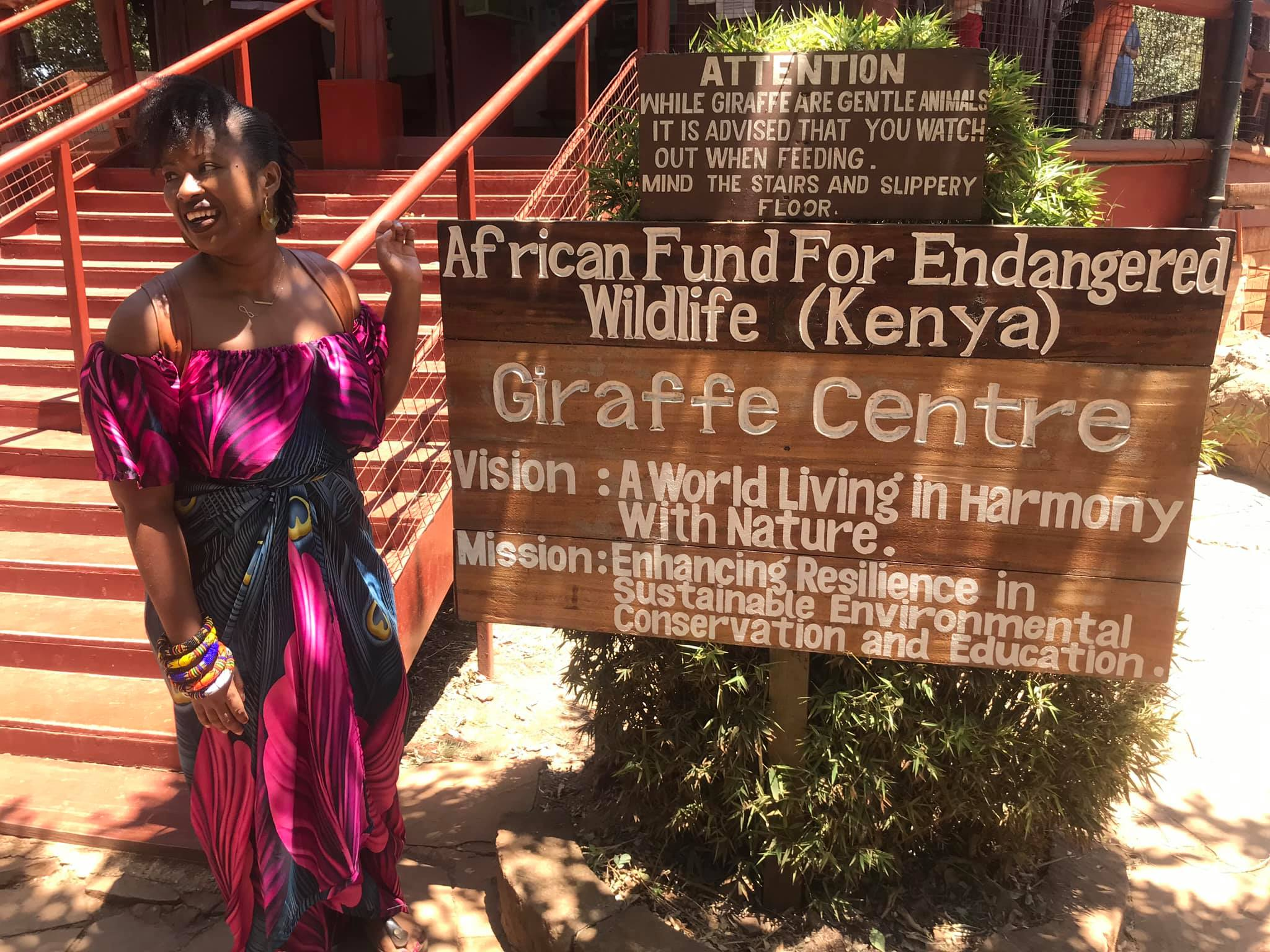 Nairobi-kenya-travel-eat-see-do-vickieremoe-72hours-EastAfrica-giraffe-shopping-TV37.jpg