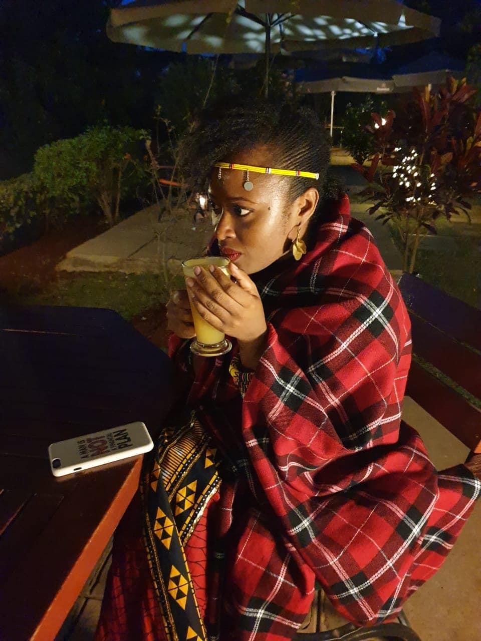 Nairobi-kenya-travel-eat-see-do-vickieremoe-72hours-EastAfrica-giraffe-shopping-TV43.jpg