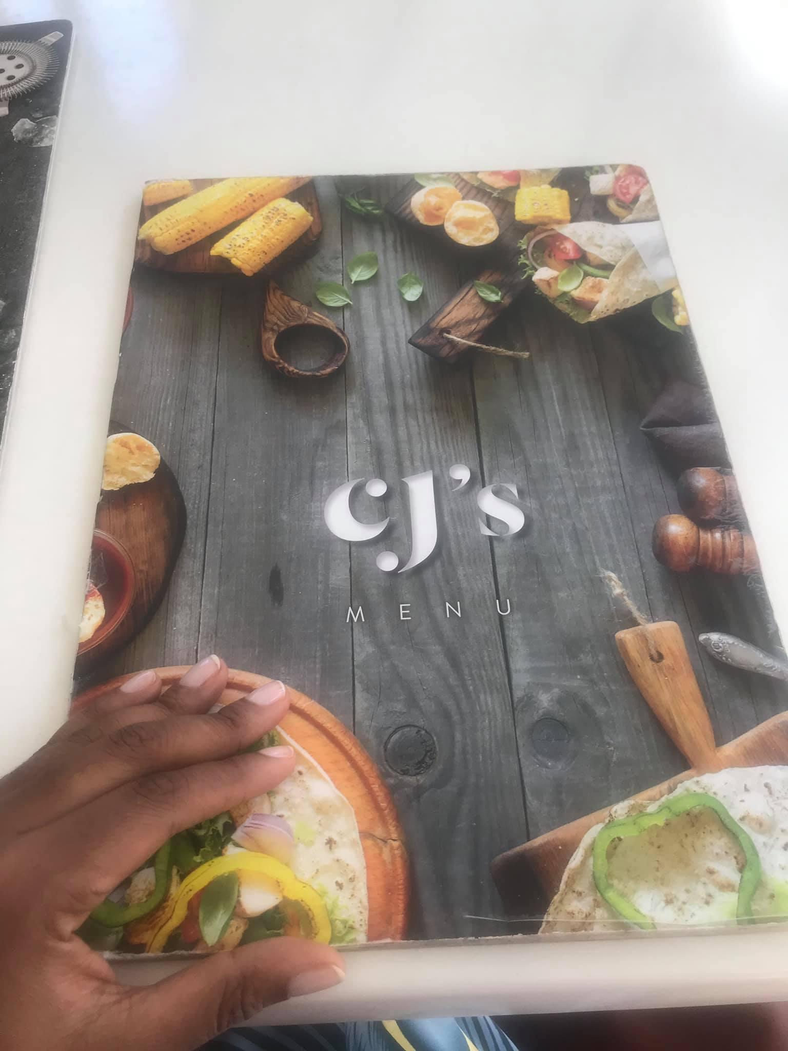 Nairobi-kenya-travel-eat-see-do-vickieremoe-72hours-EastAfrica-giraffe-shopping-TV56.jpg