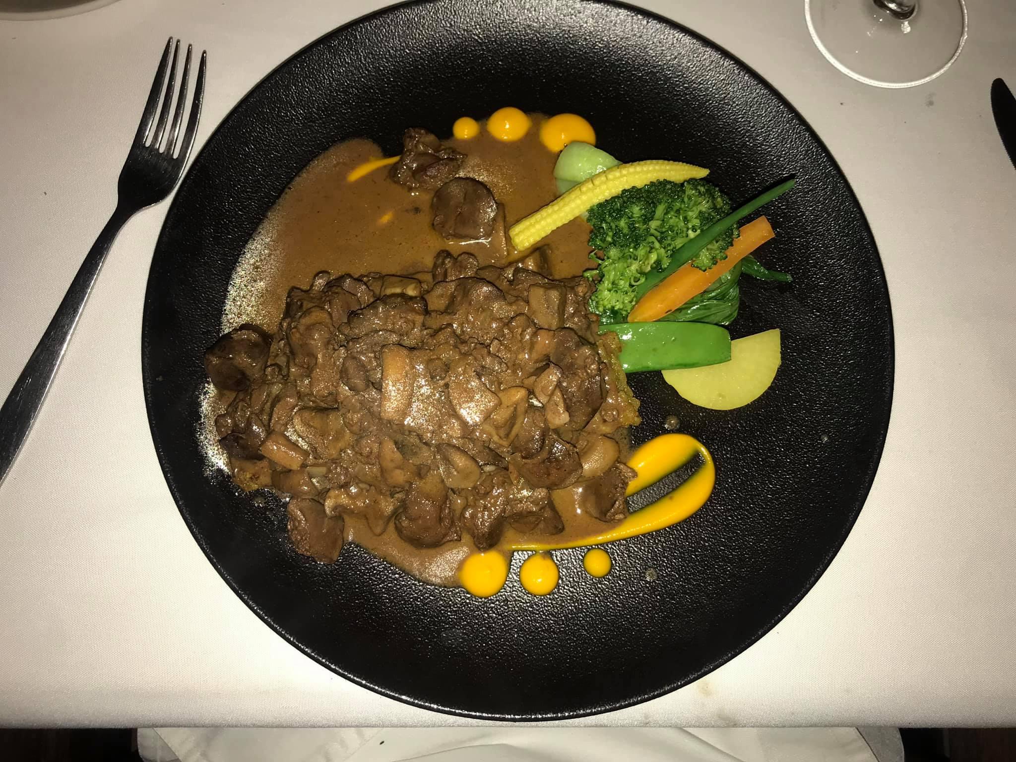 Nairobi-kenya-travel-eat-see-do-vickieremoe-72hours-EastAfrica-giraffe-shopping-TV58.jpg