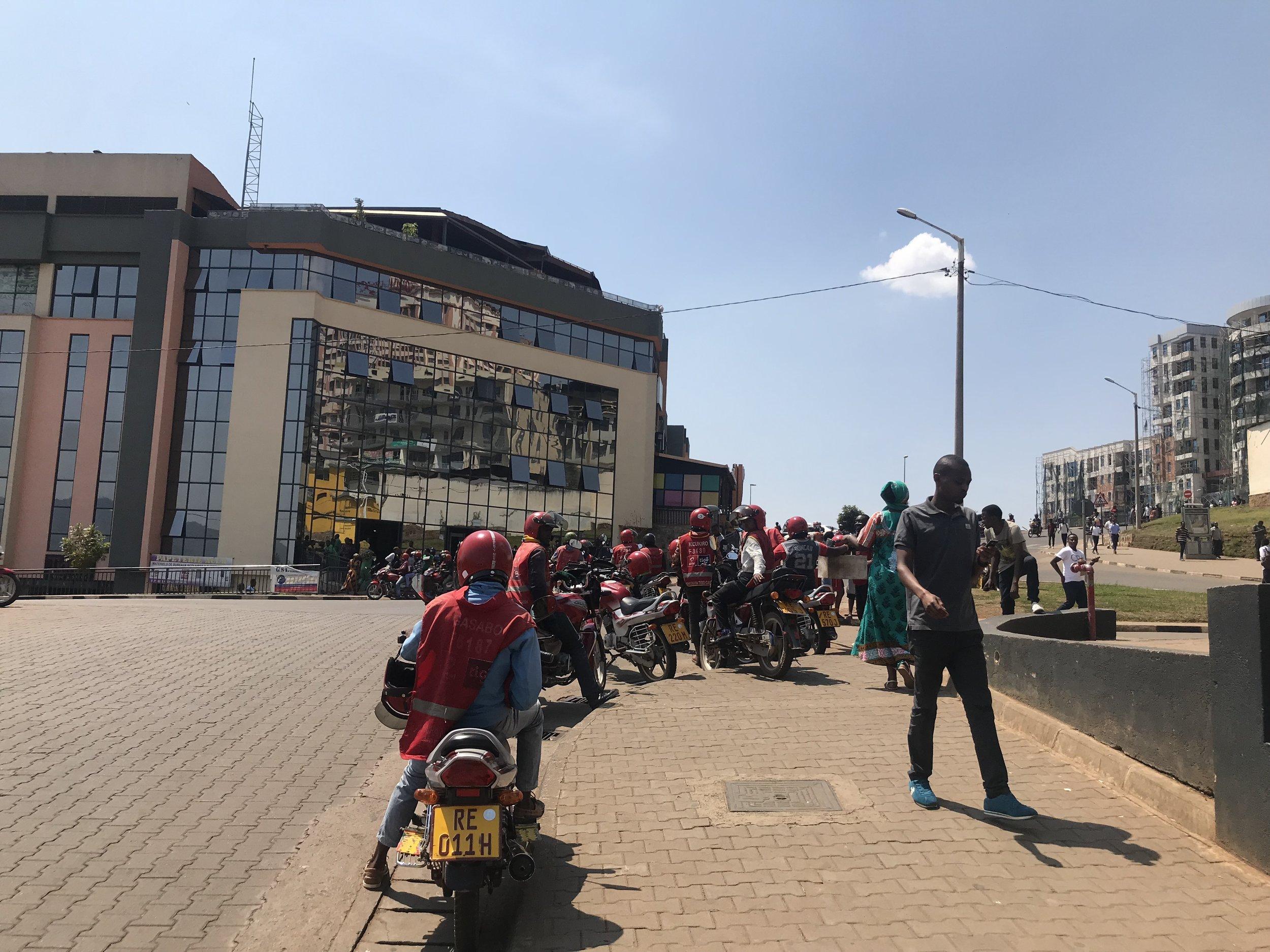 IMG_5626VickieRemoe-travel-kigali-rwanda-review-kwibohora25-hotels-africa.JPG