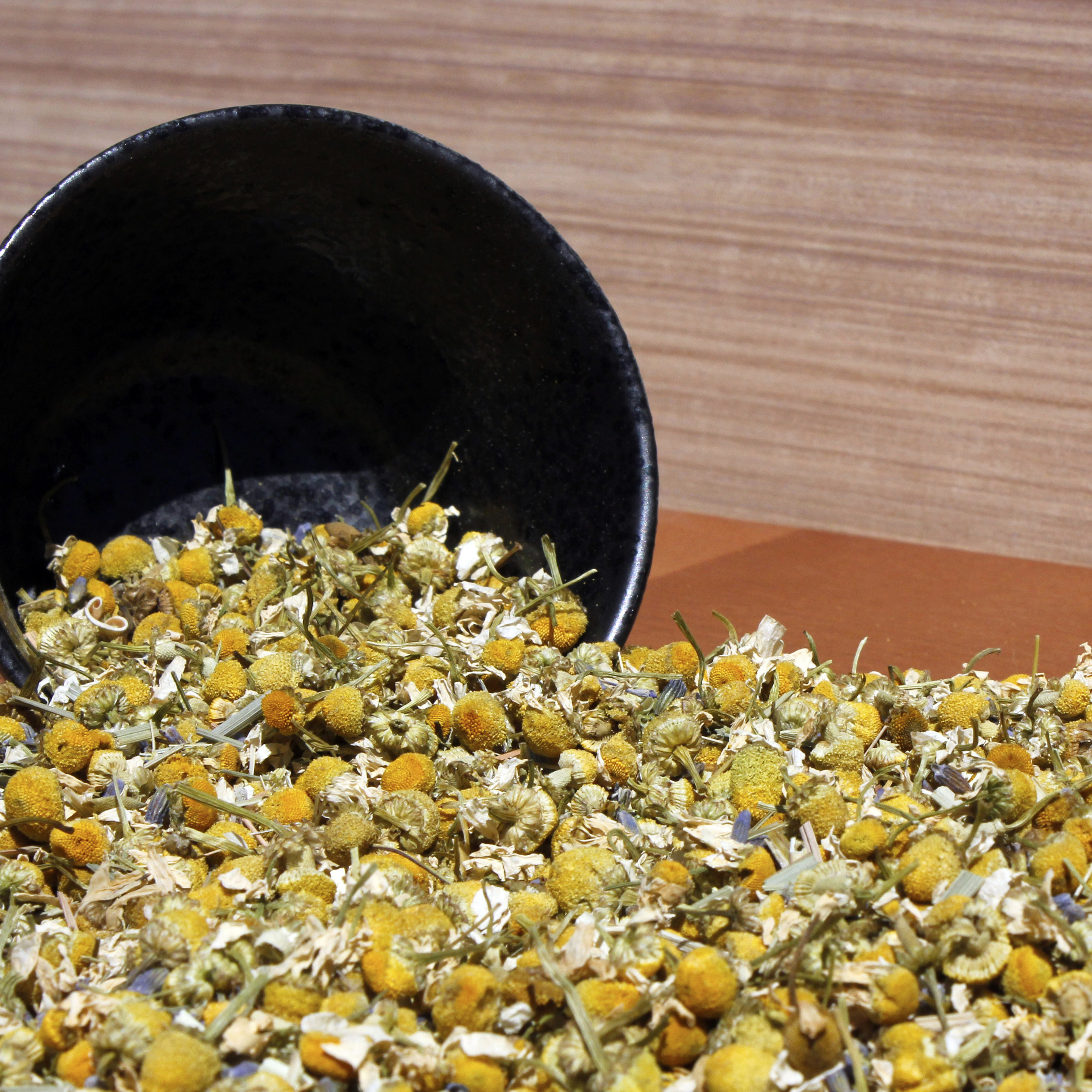 lemon-chamomile-herbal-tisane-itw.jpg
