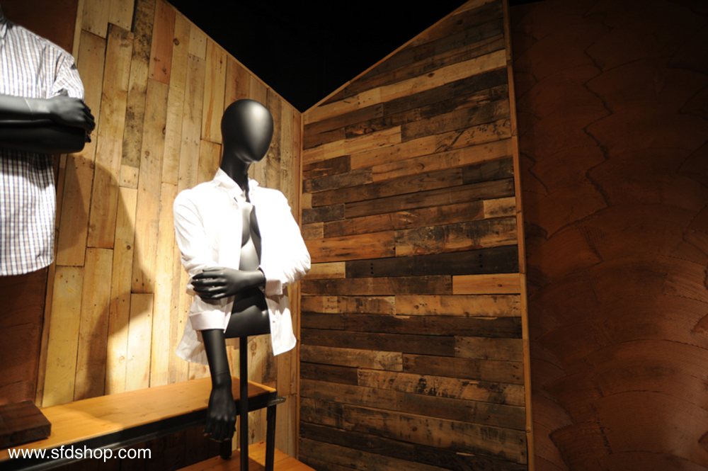 Mondo Mannequins showroom fabricated by SFDS 2.jpg
